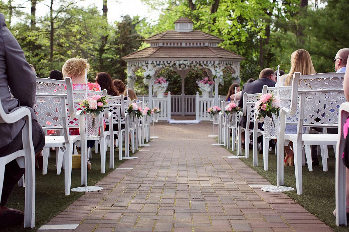 Meredith manor pottstown wedding kim ken life story for Wedding dresses reading pa