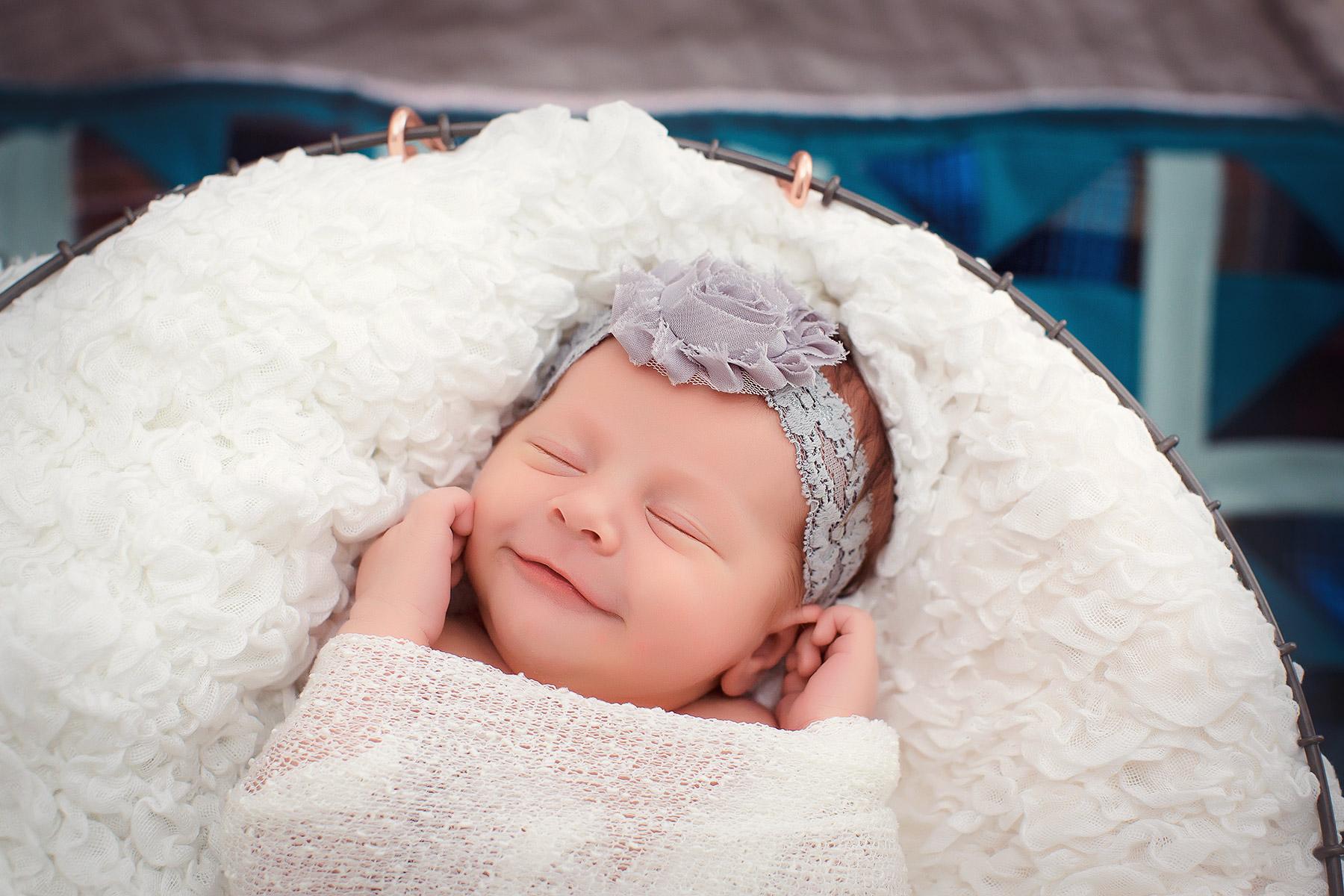 Newborn-photographers-maternity-photographers-berks-county-pa_U